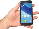 Galaxy A5 (2017) in the hand - Samsung Galaxy A5 (2017) review