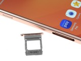 Main SIM card tray - Samsung Galaxy A7 (2017) review