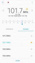 FM radio - Samsung Galaxy J5 (2017) review