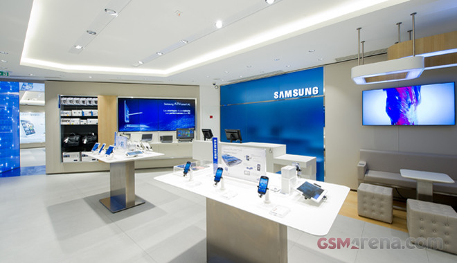 One Of A Kind Samsung Mobile Store Opens In Paris