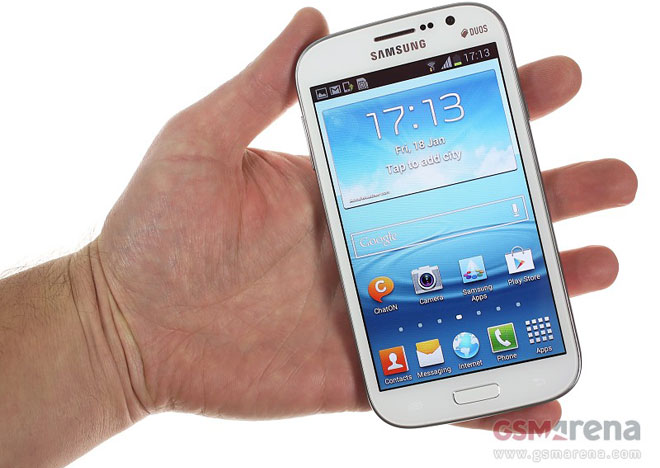 Meet the Galaxy Grand Duos GT-I9082 . Making the comparison between it