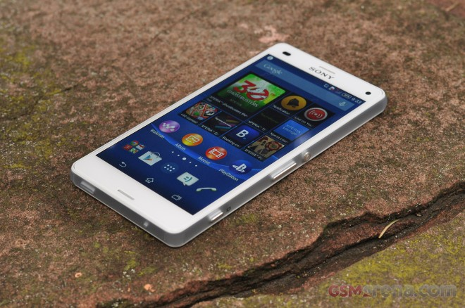 On the face of it the Xperia Z3 Compact looks very similar to its  predecessor and that's not a bad thing. The dimensions have been kept more  or less the ...