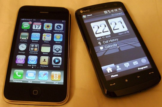 HTC Touch HD next to the iPhone 3G