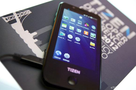 Samsung เตรียมออกสมาร์ทโฟนระบบปฏิบัติการ Tizen ปรากฏโฉมในงาน MWC ปีหน้านี้