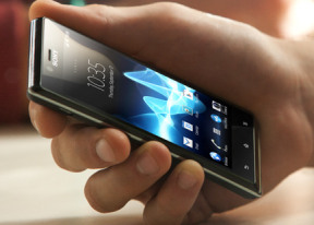 Sony Xperia J review: Junior league