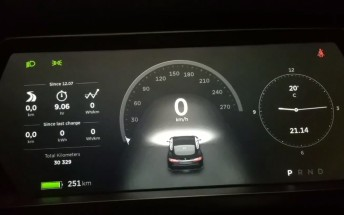 Tesla v7.0 update brings autopilot to Model S