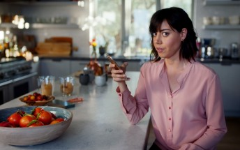 Latest Apple ads focus on Live Photos and 3D Touch, Aubrey Plaza stars in one