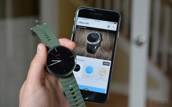 Android Wear watches other than the LG Watch Urbane do in fact work with iPhones