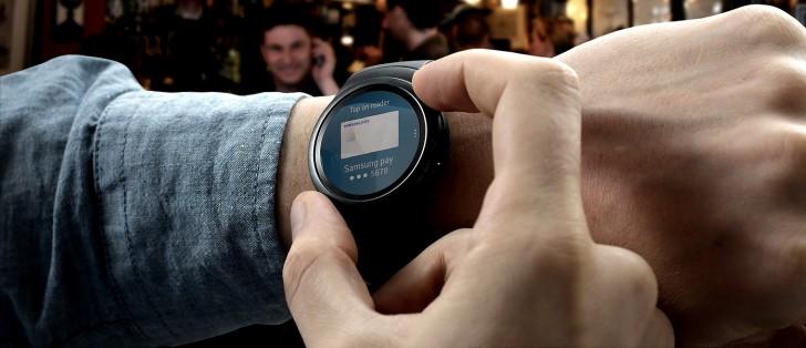 http://cdn.gsmarena.com/imgroot/news/15/09/samsung-gear-s2-sold-out/-728x314/gsmarena_001.jpg