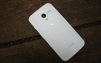 Verizon's original Moto X finally receives Android 5.1 update