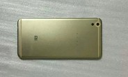 Xiaomi Mi 5 photographed again, check out the rounded metal unibody