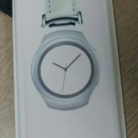 Alleged Samsung Gear S2 band adapter