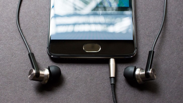 Editorial: Headphone jack vs  USB audio  Which is better? - GSMArena