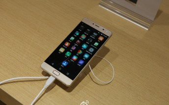 Lenovo Vibe P2 shown in live images, has 5.5-inch 1080p AMOLED screen