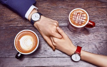 Meizu Mix is company's first smartwatch, it has an analog face