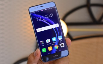 Blue Honor 8 sees high demand in UK, stock nearly depleted