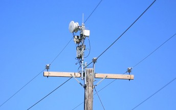AT&T unveils Project AirGig, Gigabit wireless delivered via power lines