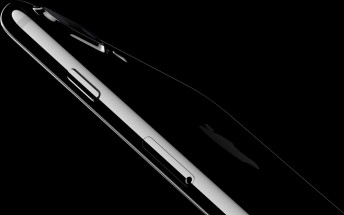 Jet Black iPhone 7 scratches easily