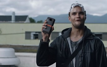 Motorola's MotoMods help out in zombie apocalypse and catching thieves