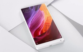 Xiaomi announces white Mi Mix at CES, still China-only