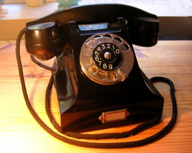 The Bakelite Phone (Ericsson DBH 1001) (photo by Holger.Ellgaard)