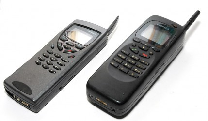 The Nokia 9110 on the left and 9000 on the right (photo by Oldmobil)