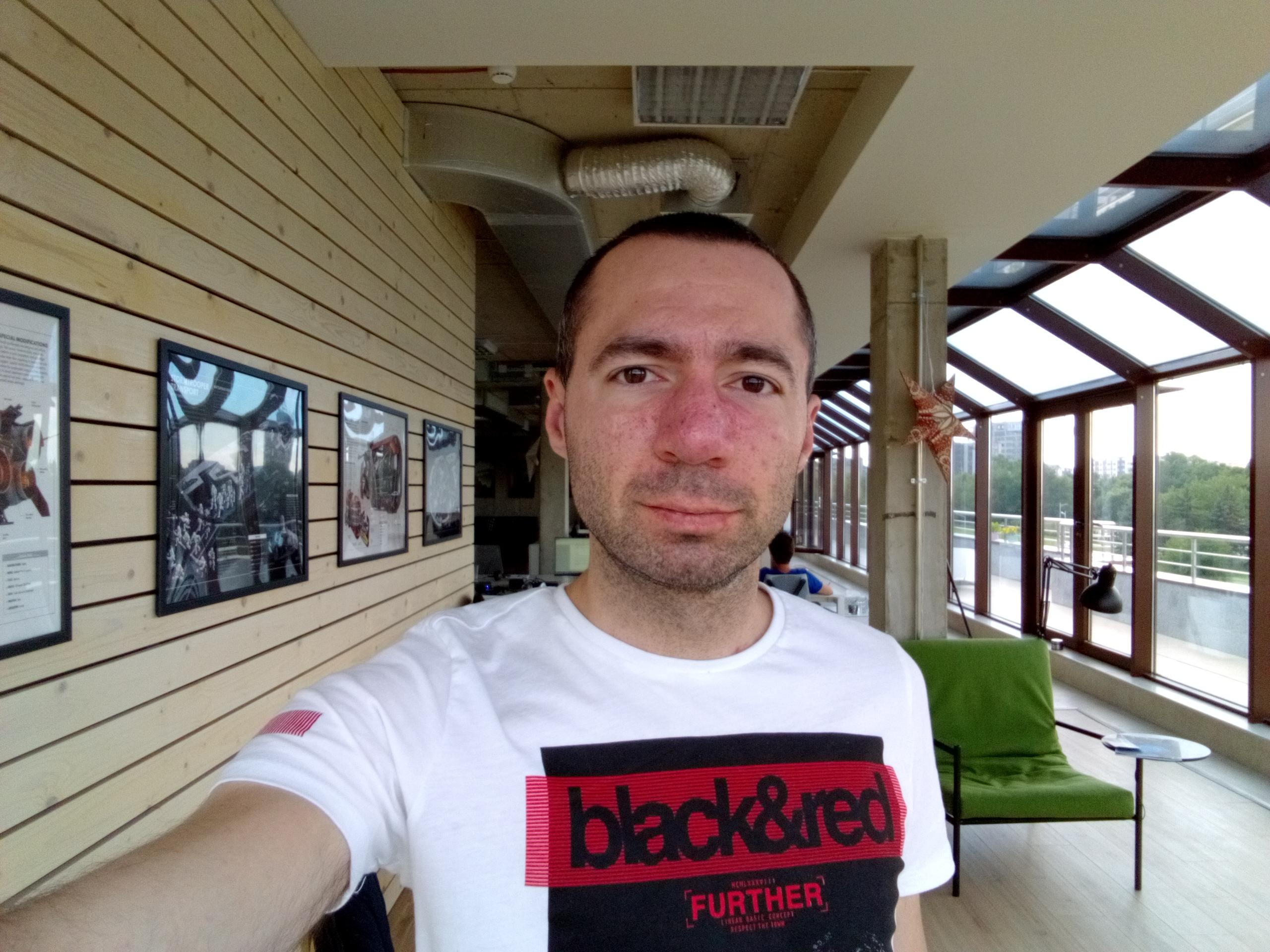 f/2.2, ISO 100, 1/106s - Sony Xperia L1 Selfie Sample