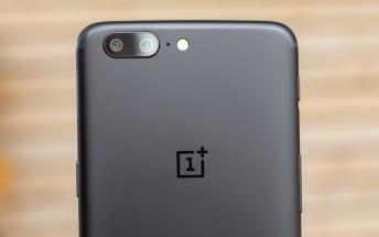 The OnePlus 5 scores 87 on DxOMark