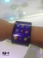 Lenovo Cplus concept flexible smart phone/watch