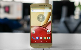 Moto M benchmarked with a smaller display