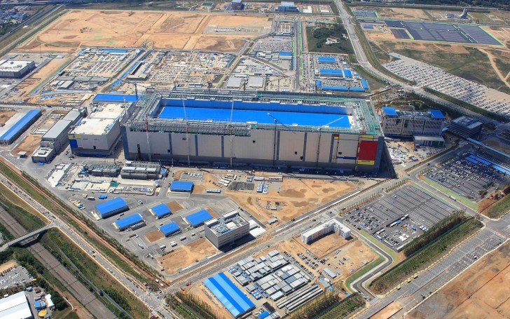 Samsung aims to dominate the chips market with a $18.6B ...