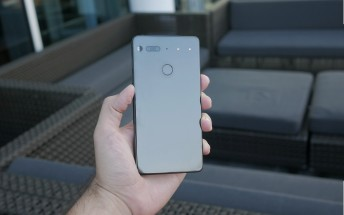 Hands-on with the Essential PH-1