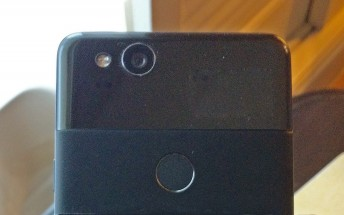 Google Pixel 2 live photo gives us a closer look at the front and back