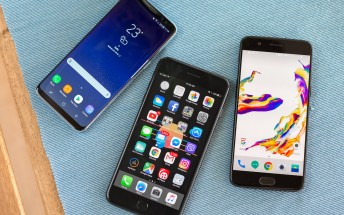 One in four smartphone owners spends more than 7 hours a day on it