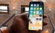 Apple gives early iPhone X access to some reviewers