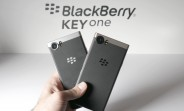 blackberry_keyone_bronze_edition_arrives_in_china