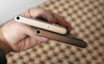 BlackBerry Keyone Bronze Edition vs. the regular silver version