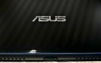 Asus Zenfone 5 Lite leaks in live shot
