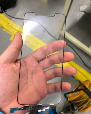 Leaked iPhone X Plus display parts
