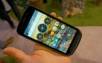 Land Rover Explore hands-on: Modular rugged phone with extra battery