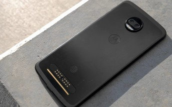 Motorola Moto Z2 Force on AT&T gets Oreo update