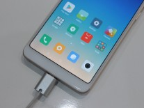Hands-on images of Xiaomi Redmi Note 5 Pro