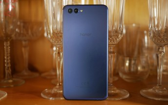 Honor View 10 finally becomes available in the US for $499