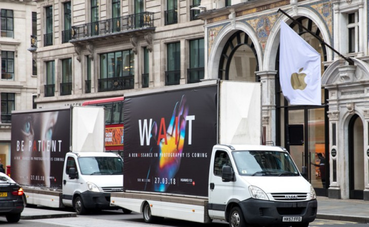 Huawei sends ad trucks to London to promote the Huawei P20 phones