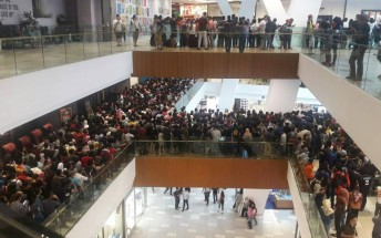 Apple reseller in Malaysia forced to cancel $50 iPhone sale when thousands of people showed up