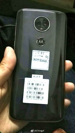 Moto E5 Plus - click for larger images