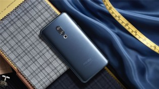 Meizu 15 in Blue