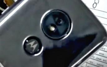 Moto G6 Play handled on video