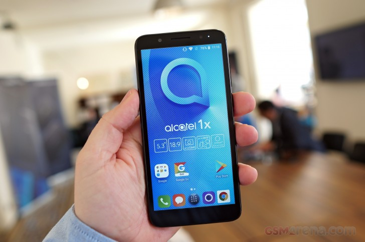 Alcatel 1X Android Go phone comes to the United States for $100