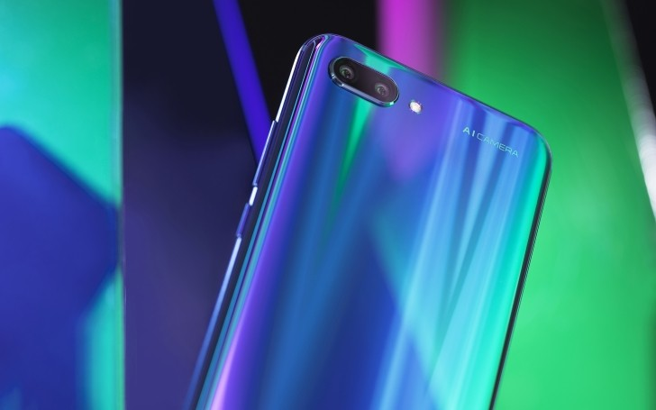 Huawei Honor 10 with 24 MP AI camera is globally available